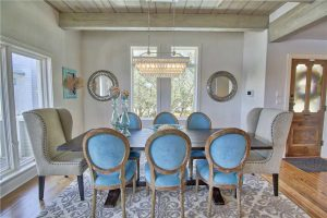 This rental has a gorgeous dining room table for enjoying holiday meals. Why redecorate or renovate your home for the holidays? It's much less stressful to spend your holiday at the beach.