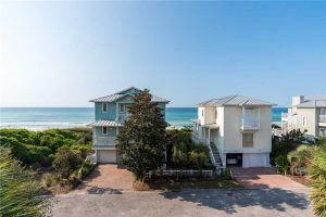 This rental is right on the Gulf of Mexico.